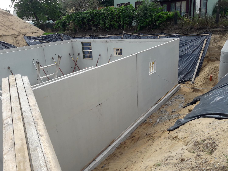 Bodenplatte für Fertigteilkeller und Neubau Einfamilienhaus