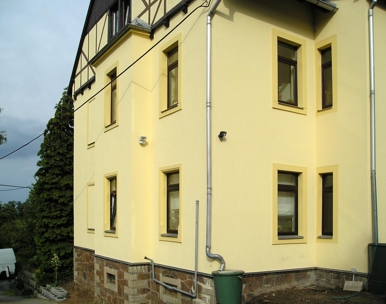 Fassadenputz Mehrfamilienhaus
